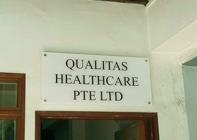Acrylic Sign Qualitas healthcare